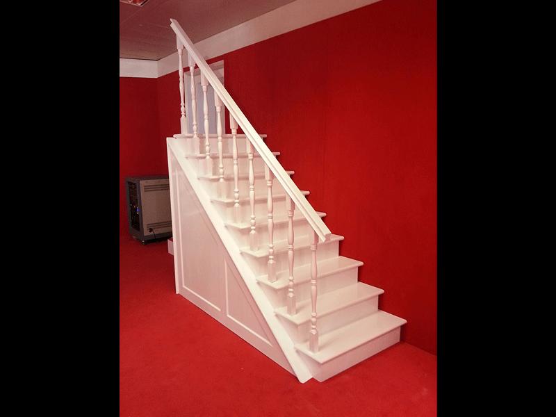 Lacado en blanco de escalera de madera alicante lacados paco - Lacado de madera ...